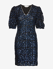Gestuz - ElviraGZ dress YE19 - robes longeur du midi - blue - 0