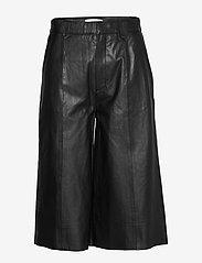 Gestuz - SuriGZ shorts MS20 - lederhosen - black - 1