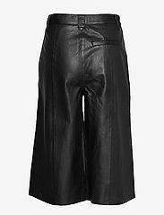 Gestuz - SuriGZ shorts MS20 - lederhosen - black - 2