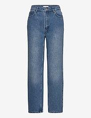 Gestuz - DacyGZ MOM jeans - straight regular - medium blue - 1