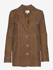 Gestuz - EllieGZ jacket HS20 - leather jackets - toffee - 0