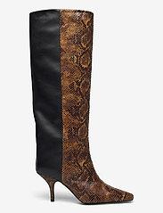 Gestuz - CianaGZ boots MA20 - höga stövlar - brown embossed - 1