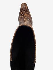 Gestuz - CianaGZ boots MA20 - höga stövlar - brown embossed - 3
