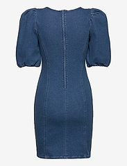 Gestuz - AstridGZ roundneck dress ZE2 20 - jeansowe sukienki - denim blue - 1
