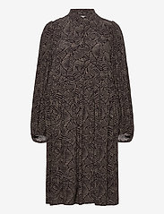 Gestuz - TikaGZ dress SO21 - midi kjoler - brown strokes - 2