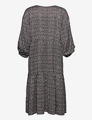 Gestuz - IlaGZ dress MS21 - hverdagskjoler - moonbeam square dot - 2