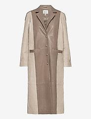 Gestuz - RoxanneGZ long blazer - frakker - pure cashmere - 1