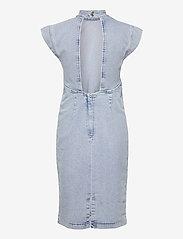 Gestuz - DrewiGZ dress - sommerkjoler - light blue vintage - 2