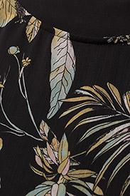 Gestuz - Maui ss top MS18 - short-sleeved blouses - black palm - 2