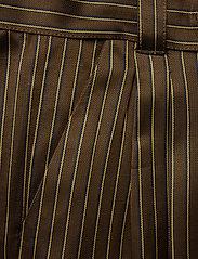 Gestuz - Strika pants MA18 - hosen mit weitem bein - brown stribe - 2