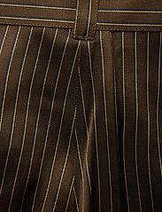 Gestuz - Strika pants MA18 - hosen mit weitem bein - brown stribe - 5