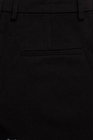 Gestuz - EsmaGZ cen slim pant NOOS - straight leg trousers - black - 4