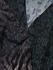 Gestuz - Cristal jumpsuit YE18 - kombinezony - deep pine animal - 2