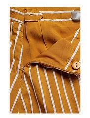 Gestuz - BethanyGZ skirt ZE1 19 - midi skirts - narcissus yellow stripe - 3