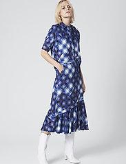Gestuz - LuanneGZ skirt MA19 - midi - blue check - 0