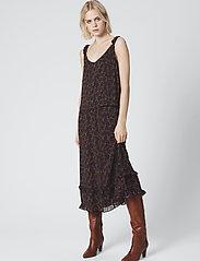 Gestuz - AlminaGZ skirt MA19 - midi - black multi dot - 2