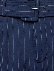 Gestuz - KineGZ pants MA19 - leveälahkeiset housut - peacoat pinstripe - 4