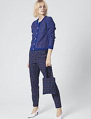 Gestuz - NiraGZ pants MA19 - suorat housut - blue/umber check - 0