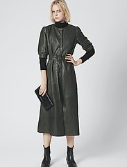 Gestuz - SuriGZ dress - juhlamekot - dark green - 0