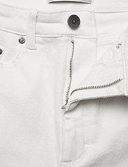 Gestuz - AstridGZ mom jeans NOOS - Äitiysfarkut - bright white - 3