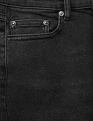 Gestuz - AstridGZ HW slim jeans NOOS - mom jeans - washed black - 2