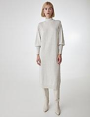 Gestuz - RianGZ dress - neulemekot - rainy day - 0