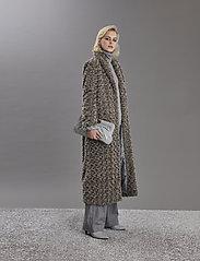 Gestuz - RyssaGZ coat YE19 - sztuczne futro - alloy - 4