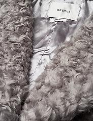 Gestuz - RyssaGZ coat YE19 - sztuczne futro - alloy - 5
