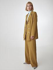 Gestuz - LiyaGZ blazer SO20 - blazere - bone brown - 3