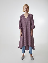 Gestuz - ZiellaGZ OZ dress SO20 - midi kjoler - purple check - 0