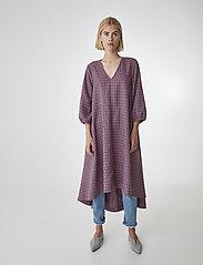 Gestuz - ZiellaGZ OZ dress SO20 - midi kjoler - purple check - 0