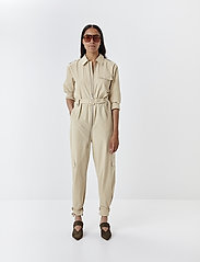 Gestuz - AdalineGZ jumpsuit MS20 - haalarit - safari - 0