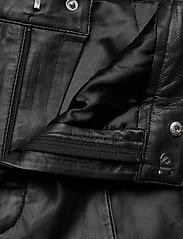 Gestuz - SuriGZ shorts MS20 - lederhosen - black - 5