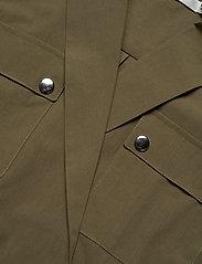 Gestuz - AdalineGZ shirt body MS20 - body - capers - 2