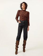 Gestuz - DacyGZ MOM jeans - straight regular - black - 2