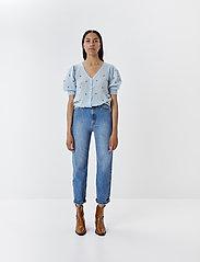 Gestuz - DacyGZ MOM jeans - straight regular - medium blue - 3