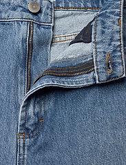 Gestuz - DacyGZ MOM jeans - straight regular - medium blue - 8