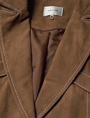 Gestuz - EllieGZ jacket HS20 - leather jackets - toffee - 3