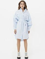 Gestuz - StaliaGZ OZ shirt dress - midi kjoler - xenon blue - 0