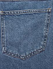 Gestuz - KinsleyGZ shorts AO20 - bermudy - light blue - 4