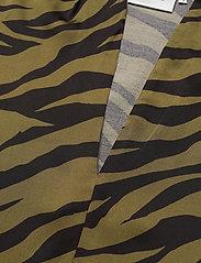 Gestuz - NadjaGZ blouse BZ - langærmede bluser - army animal - 2