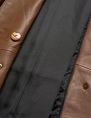 Gestuz - SilliGZ blazer YE20 - skinnjakker - rubber - 5