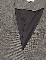 Gestuz - LidaGZ blazer YE20 - getailleerde blazers - black/white - 3