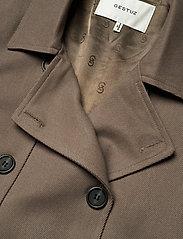 Gestuz - AbiGZ waistcoat SO21 - puffer vests - earth - 4
