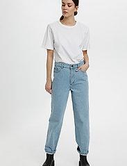 Gestuz - JoryGZ tee - t-shirts - bright white - 3