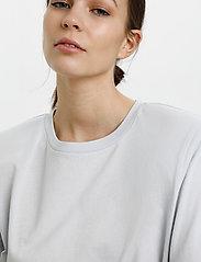 Gestuz - JoryGZ tee - t-shirts - xenon blue - 5