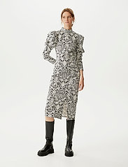 Gestuz - CameaGZ ls dress SO21 - stramme kjoler - black/white vintage - 0