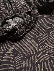 Gestuz - TikaGZ blouse SO21 - langærmede bluser - brown strokes - 4