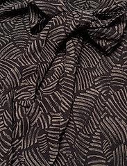 Gestuz - TikaGZ dress SO21 - midi kjoler - brown strokes - 4