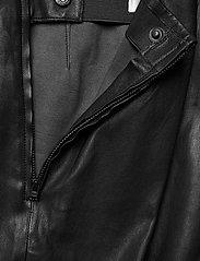Gestuz - SashaGZ HW leather legging NOOS - læderbukser - black - 4
